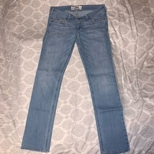Hollister low rise skinny jeans light-wash size 5